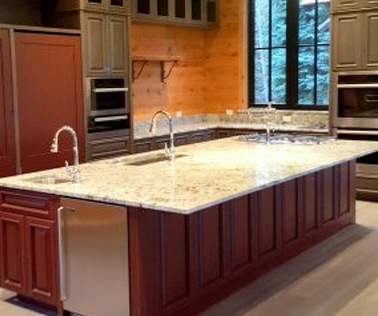Stoneworks of jackson hole custom stone counters and tile for Kitchen jackson hole